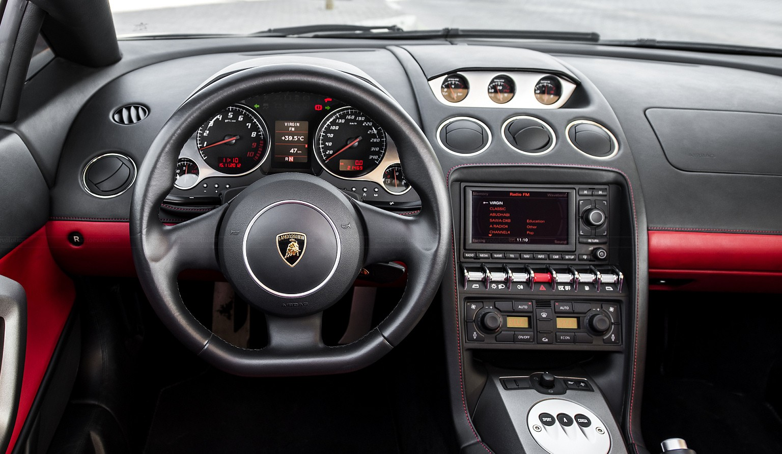 lamborghini-gallardo-dashboard